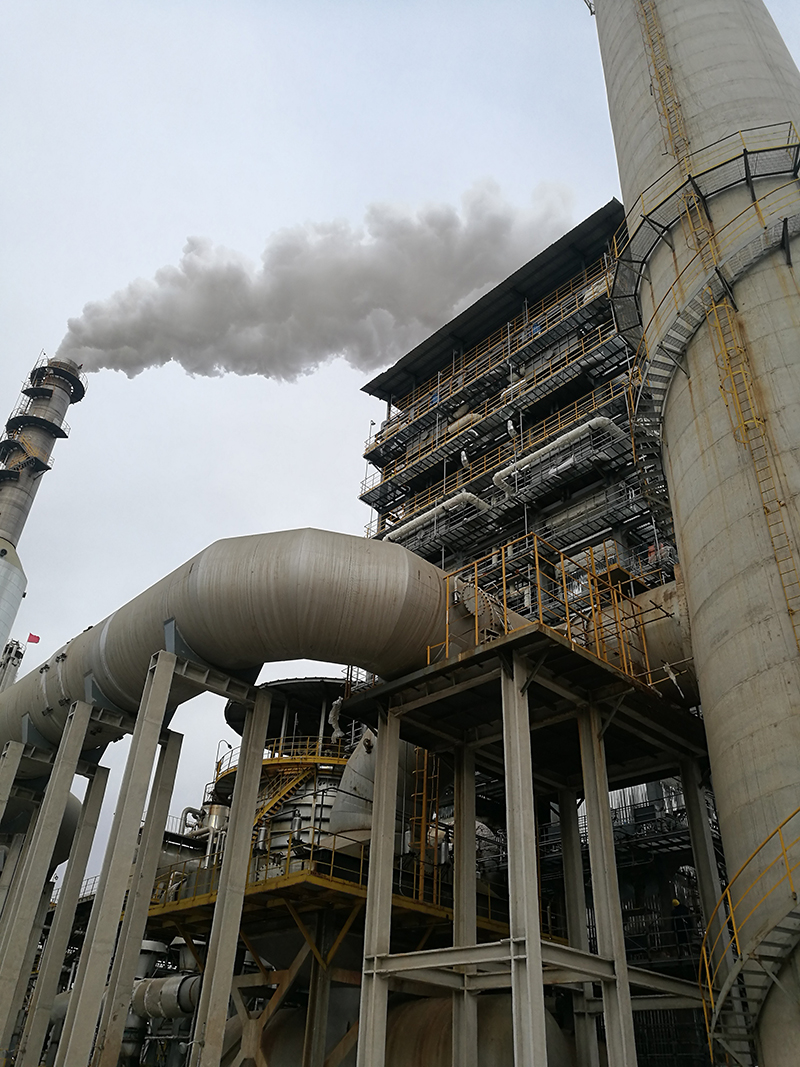 Oil-Refinery-Catalyc-cracking1